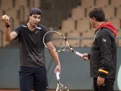 """McEnroe recomienda a Nadal que se busque """"a un maldito nuevo entrenador"""""""