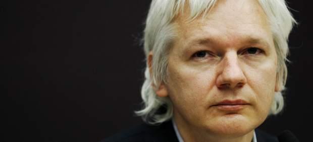 """Assange, al CEO de Google: """"No me importaría filtrar algunos de vuestros documentos"""""""