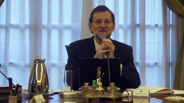 Rajoy en su primer Consejo de Ministros