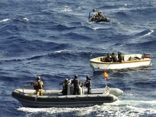 Miembros del buque 'Patiño'