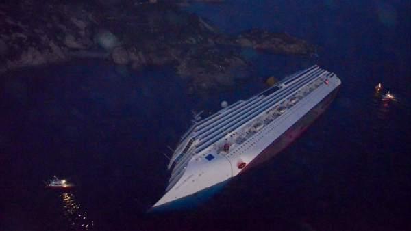 Vista aérea del Costa Concordia