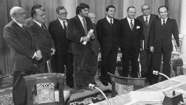 Fraga, junto a los líderes de la transición