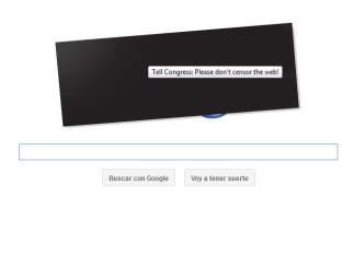 Google no cierra, pero sí protesta