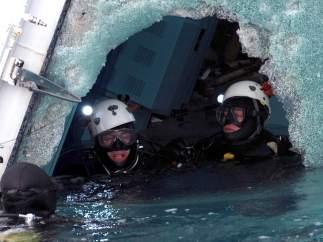 Rescate de cadáveres del Costa Concordia