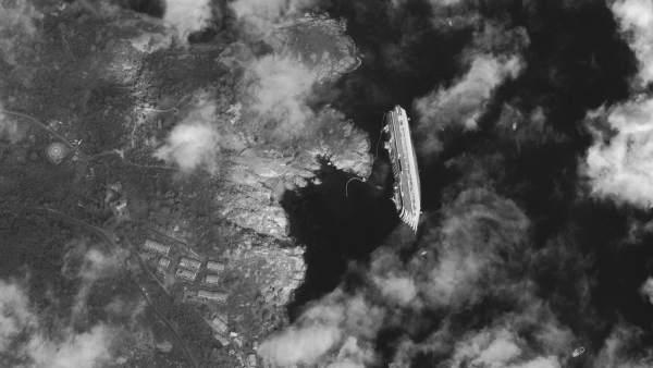 Vista aérea del 'Costa Concordia'