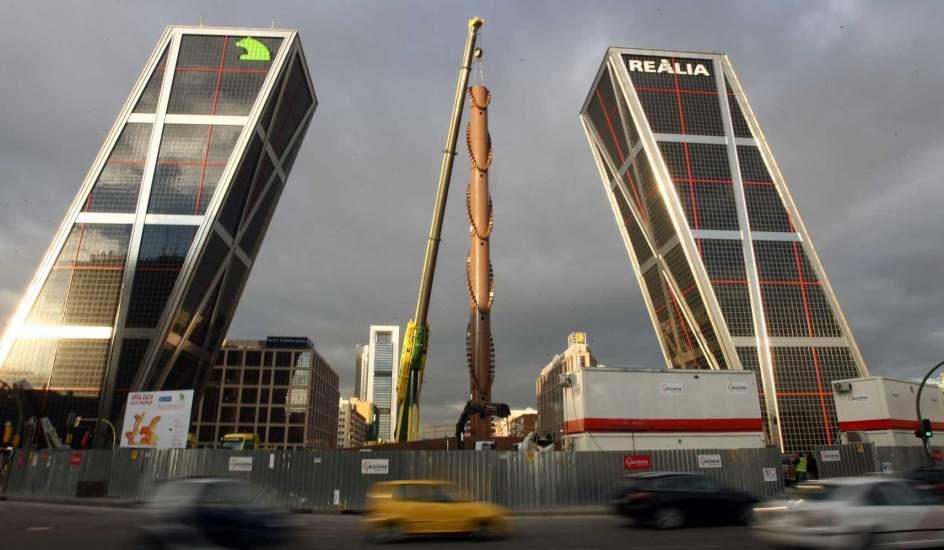 El ayuntamiento gastar euros en mantener el - Torres kio arquitecto ...