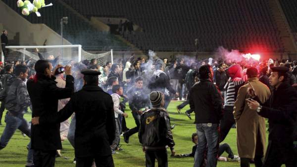 Enfrentamientos entre las hinchadas de dos equipos de fútbol egipcios
