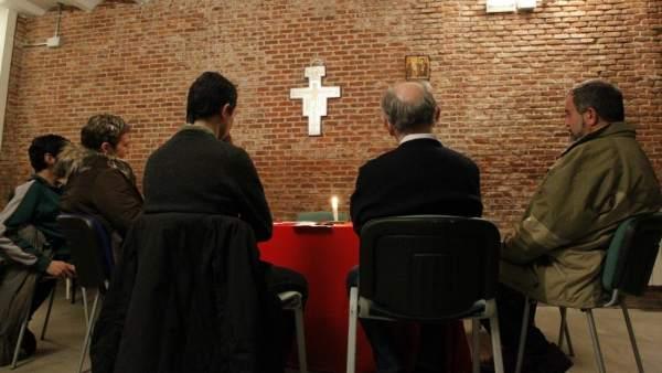 Una reunión de creyentes en Crismhom