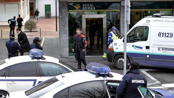 Se entrega a la ertzaintza el atracador que hab a tomado for Pisos caja rural navarra
