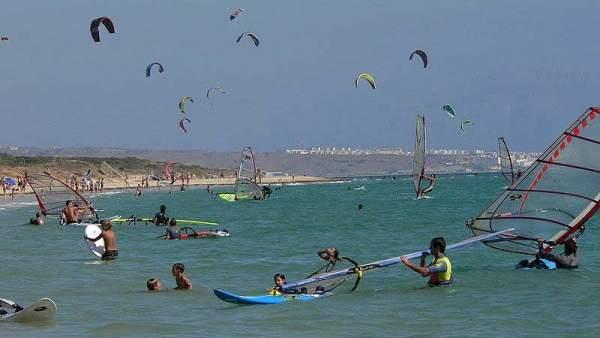 Viento, olas y playa: es Tarifa