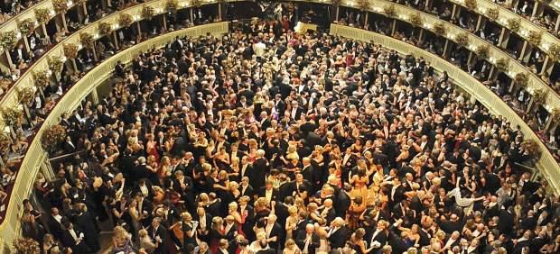 El tradicional Baile de la �pera de Viena