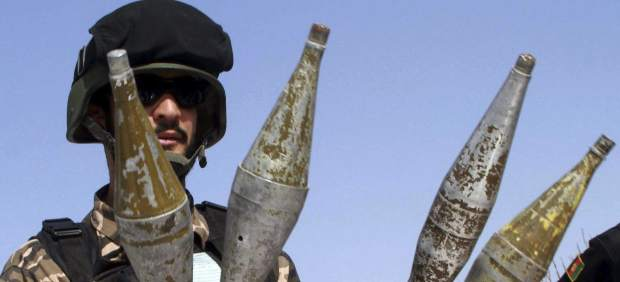 Talibanes entregan las armas