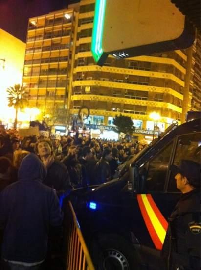 Protesta frente a Delegaci�n de Gobierno