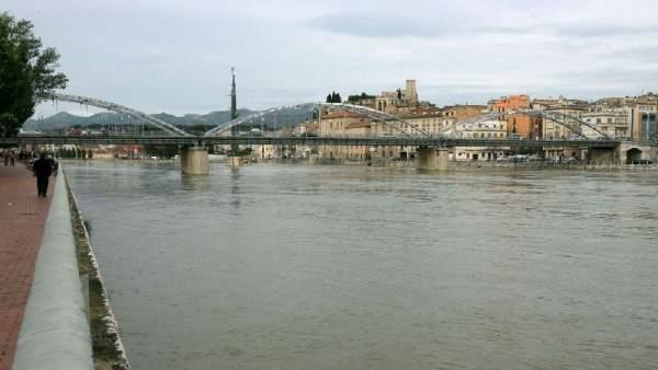 El río Ebro, a su paso por Tortosa.
