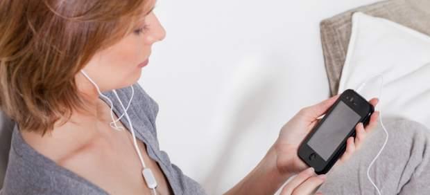 Un 52% de los españoles con 'smartphone' lo usaron para hacer compras en 2011