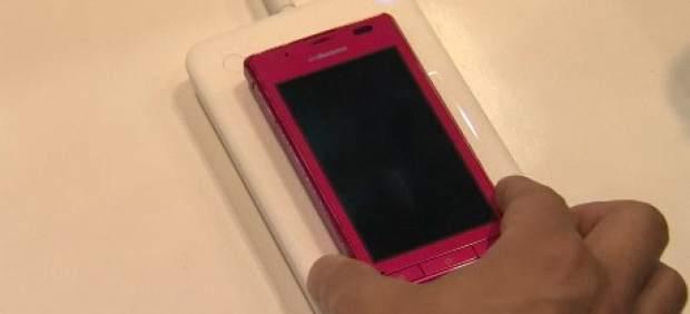 Cargar la batería de uno o varios teléfonos móviles a la vez y sin cables