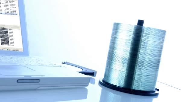 Cómo actuar si abogados te reclaman dinero por descargar series o películas vía P2P