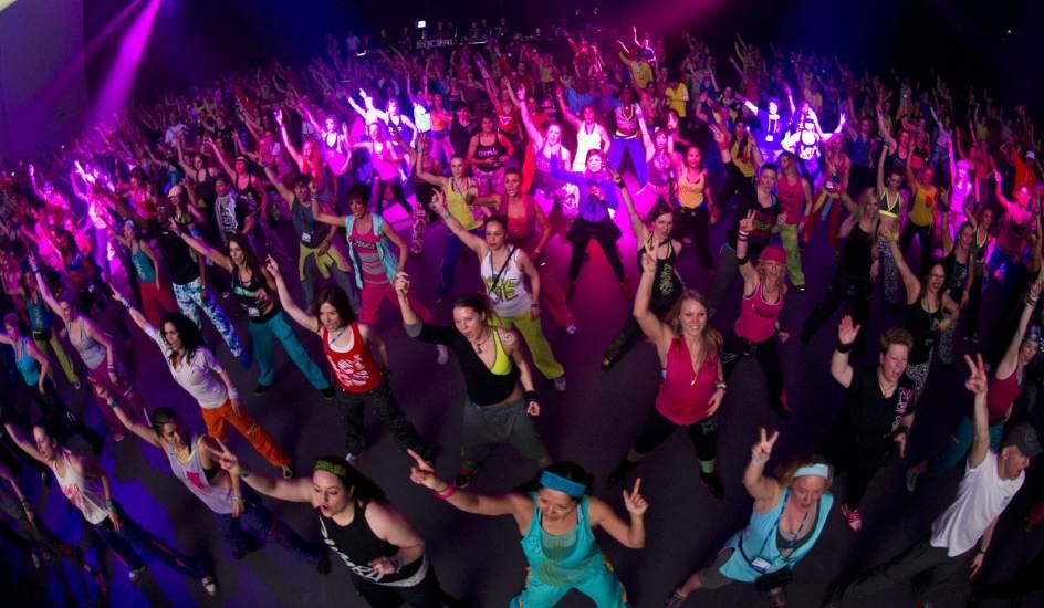 Chicas bailando en ropa interior - 2 7