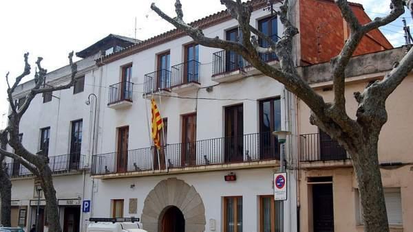 Sin bandera española.