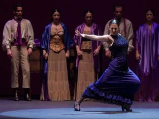 "La bailaora gaditana Sara Baras durante el ensayo general con vestuario de ""La Pepa"""