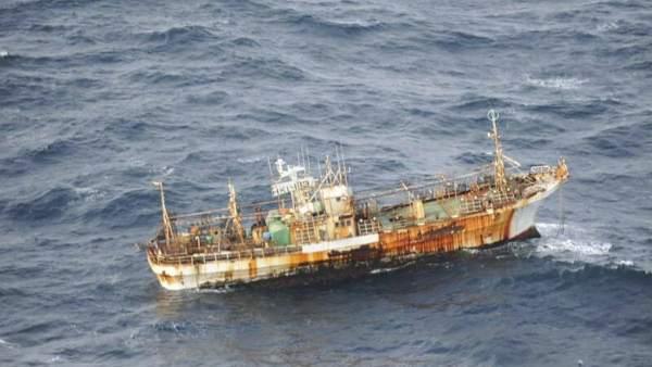El tsunami japonés arrastró un barco hasta Canadá