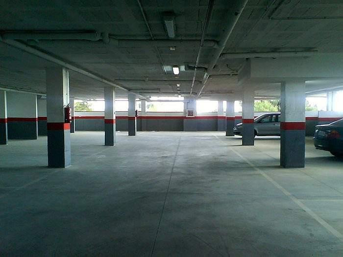 Se puede estacionar m s de un veh culo en una plaza de - Garaje de coches ...