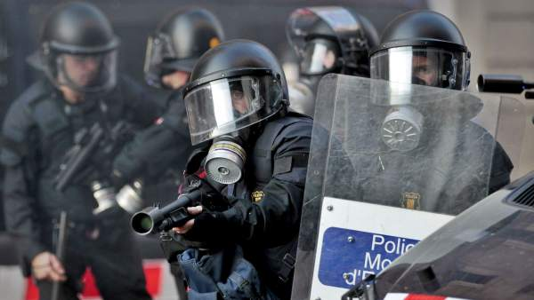 Mossos, en plenos disturbios