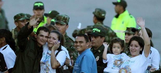 Las FARC liberan a los últimos rehenes militares