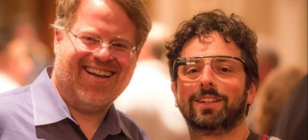 El cofundador de Google presume de las nuevas gafas de realidad aumentada