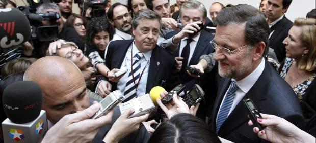 Rajoy 'huye' de los periodistas