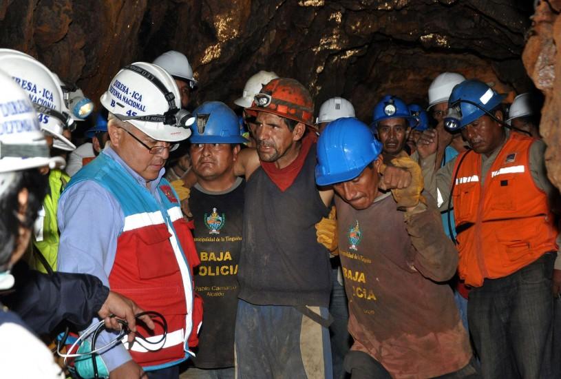 Rescatados los mineros de Perú