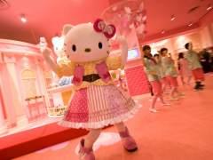 Una japonesa realiza una actuación