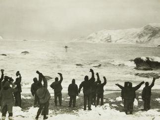 'Sir Ernest Shackleton arrives at Elephant Island to take off marooned men'