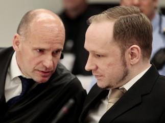 Breivik, el asesino de Oslo, y su abogado