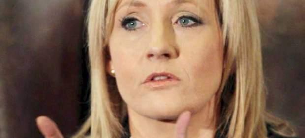 J.K. Rowling se mofa del tamaño del pene de un tuitero que la insultó por sus ideas políticas