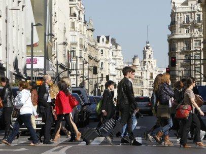 Gente andando por la calle