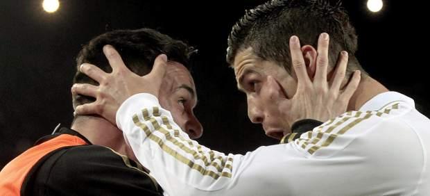 Cristiano festeja el gol con Callejón