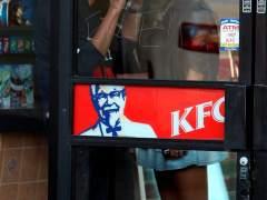 La crisis del pollo frito de KFC colapsa a la Policía del Reino Unido