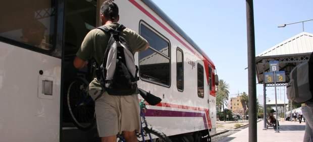Un joven viaja gratis en tren durante meses haciéndose pasar por una bicicleta 58678-620-282