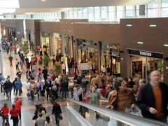 La confianza del consumidor prosigue su derrumbe: cuarto mes del año, cuarta caída seguida