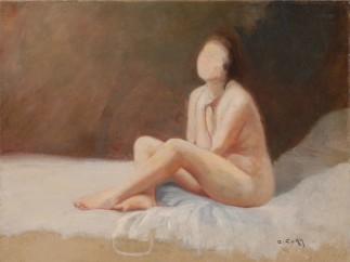 'Femme assise sur un lit'