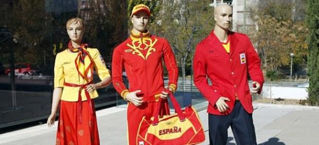 Críticas al uniforme de España para los Juegos de Londres 2012 59057-620-282