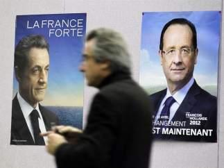 Carteles de Sarkozy y Hollande