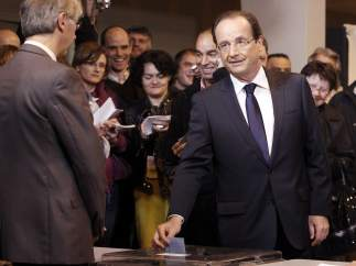 Hollande vota en la segunda vuelta