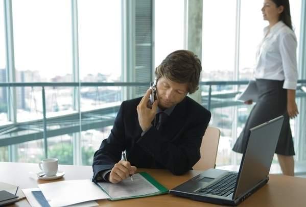 Los altos ejecutivos usan m s las herramientas sociales en for Cuales son las caracteristicas de la oficina