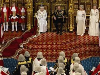 Isabel II presenta las prioridades ante el Parlamento