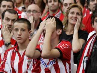 Público del Athletic desolado