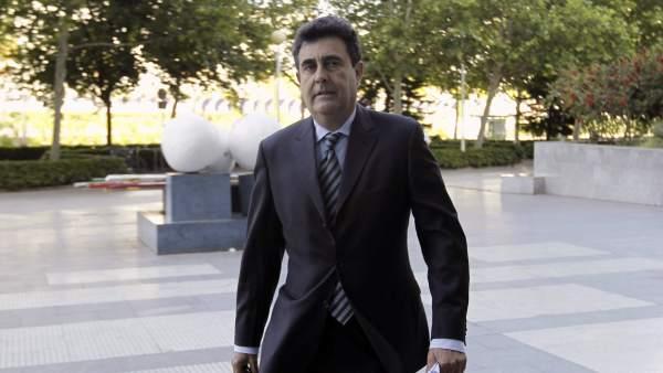 Luis Lobon
