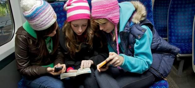 El 30% de los contactos de los adolescentes en las redes sociales son desconocidos