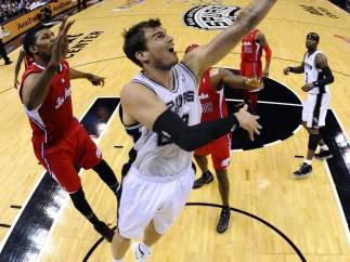 Splitter, de San Antonio Spurs.